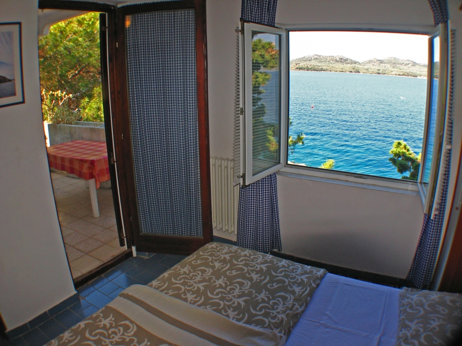 soba1-pogled kroz prozor